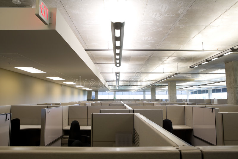 καθαρό σύγχρονο γραφείο θαλαμίσκων στοκ εικόνα
