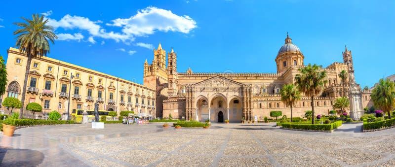 Καθεδρική εκκλησία στο Παλέρμο Σικελία, Ιταλία στοκ εικόνα