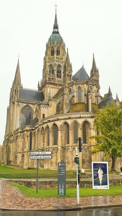 Καθεδρικός ναός του Bayeux, επίσης γνωστός ως καθεδρικός ναός της κυρίας Bayeux μας στοκ φωτογραφία με δικαίωμα ελεύθερης χρήσης