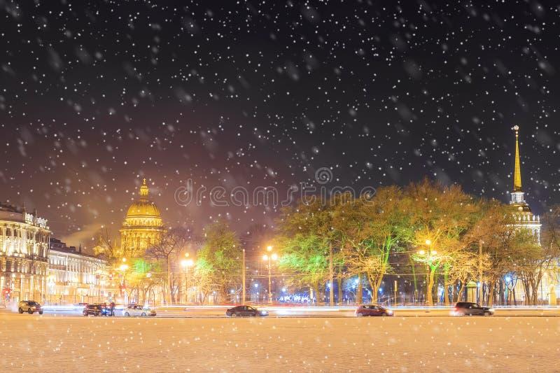 Καθεδρικός ναός του ST Isaac ` s και το ναυαρχείο το χειμώνα της Αγία Πετρούπολης στοκ φωτογραφίες με δικαίωμα ελεύθερης χρήσης