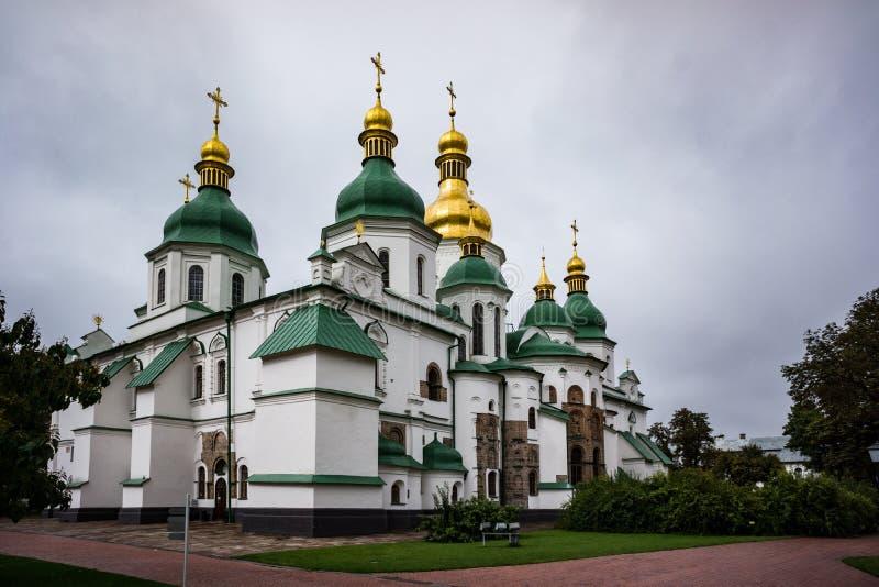 Καθεδρικός ναός του ST Sophia Κίεβο τη νεφελώδη ημέρα, Ουκρανία ARW στοκ εικόνες