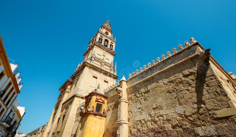 Καθεδρικός ναός Belltower Λα Mezquita στην Κόρδοβα, Ισπανία - περιοχή παγκόσμιων κληρονομιών της ΟΥΝΕΣΚΟ στοκ φωτογραφία με δικαίωμα ελεύθερης χρήσης