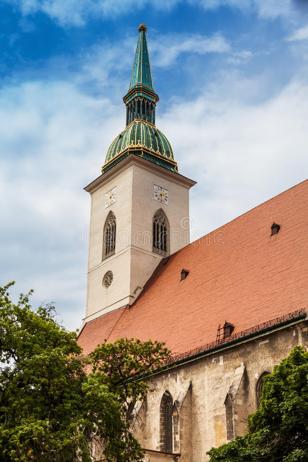 Καθεδρικός ναός Αγίου Martin στη Μπρατισλάβα, Σλοβακία στοκ εικόνες