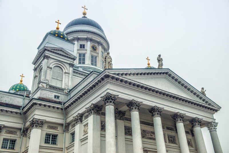 Καθεδρικός ναός και μνημείο του Ελσίνκι στο Αλέξανδρο ΙΙ, Φινλανδία στοκ εικόνα με δικαίωμα ελεύθερης χρήσης