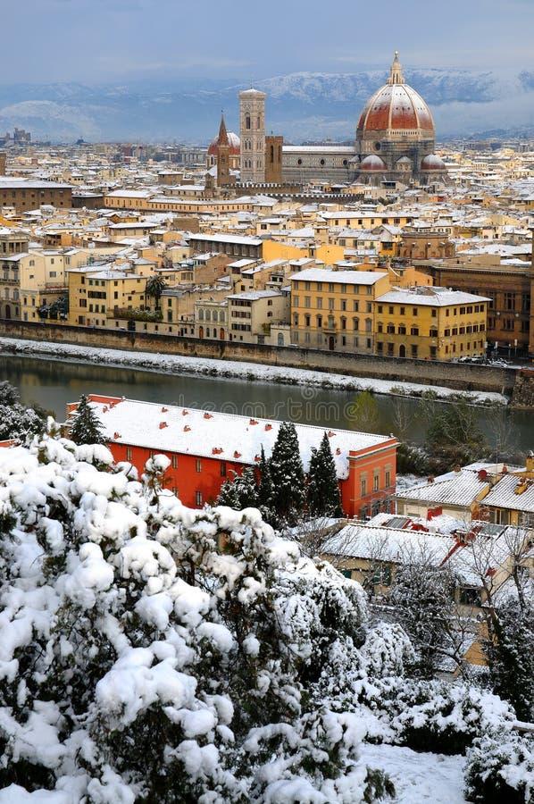 Καθεδρικός ναός Σάντα Μαρία del Fiore Duomo και καμπαναριό πύργων κουδουνιών giottos, το χειμώνα με το χιόνι Φλωρεντία, Τοσκάνη στοκ φωτογραφίες με δικαίωμα ελεύθερης χρήσης