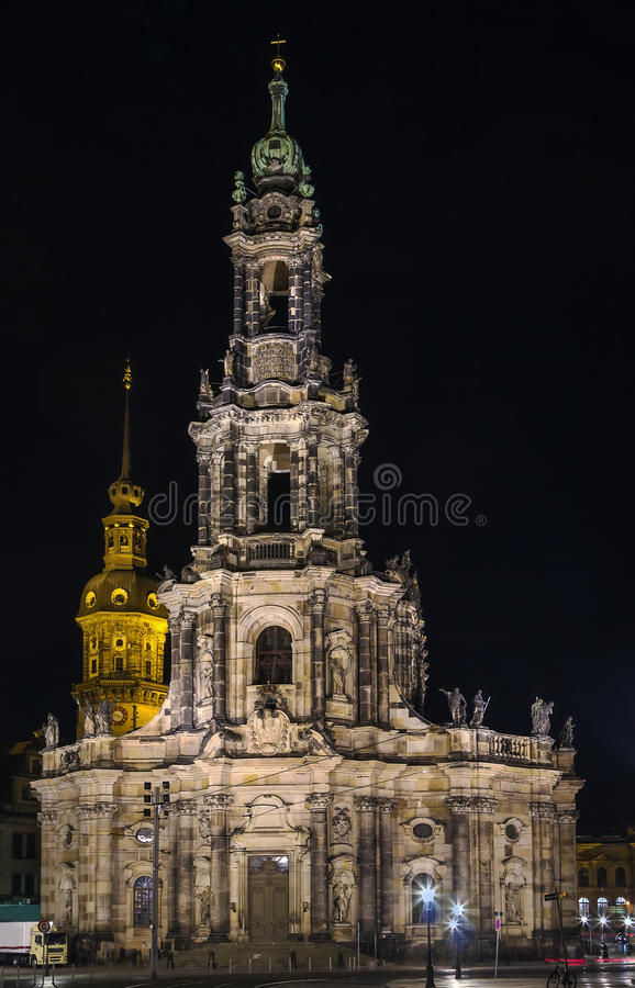 Καθεδρικός ναός της Δρέσδης τη νύχτα, Γερμανία στοκ εικόνα με δικαίωμα ελεύθερης χρήσης
