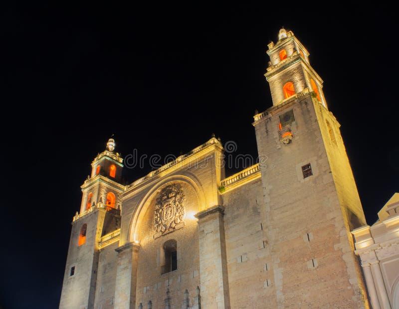 Καθεδρικός ναός του Μέριντα που φωτίζεται τη νύχτα στοκ φωτογραφία