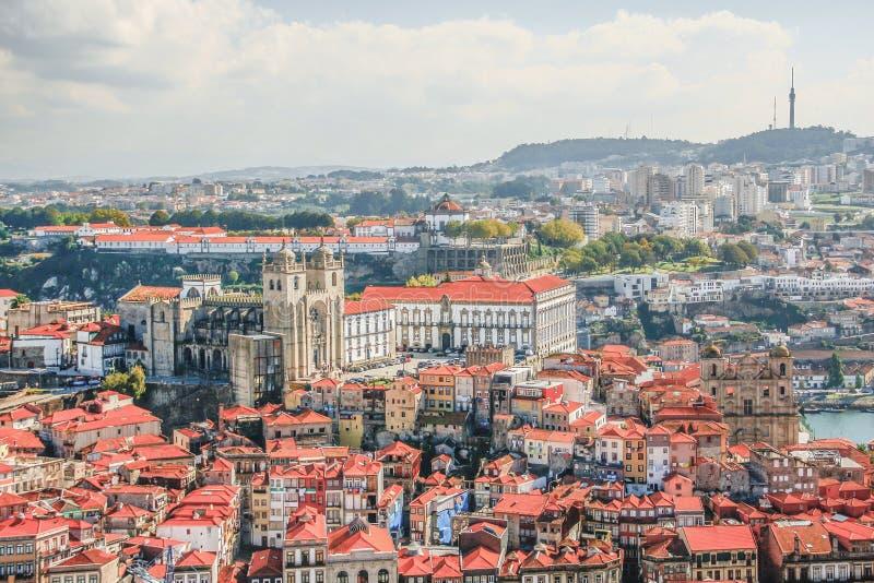Καθεδρικός ναός του Πόρτο (το SE κάνει το Πόρτο) Η παλαιά πόλη του Πόρτο καταχωρείται όπως στοκ εικόνα με δικαίωμα ελεύθερης χρήσης