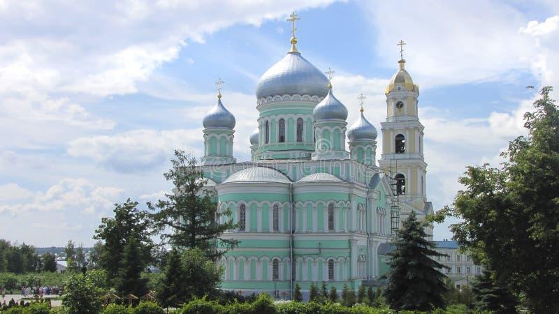 Καθεδρικός ναός τριάδας του ιερού μοναστηριού seraphim-Diveevo τριάδας στοκ εικόνα