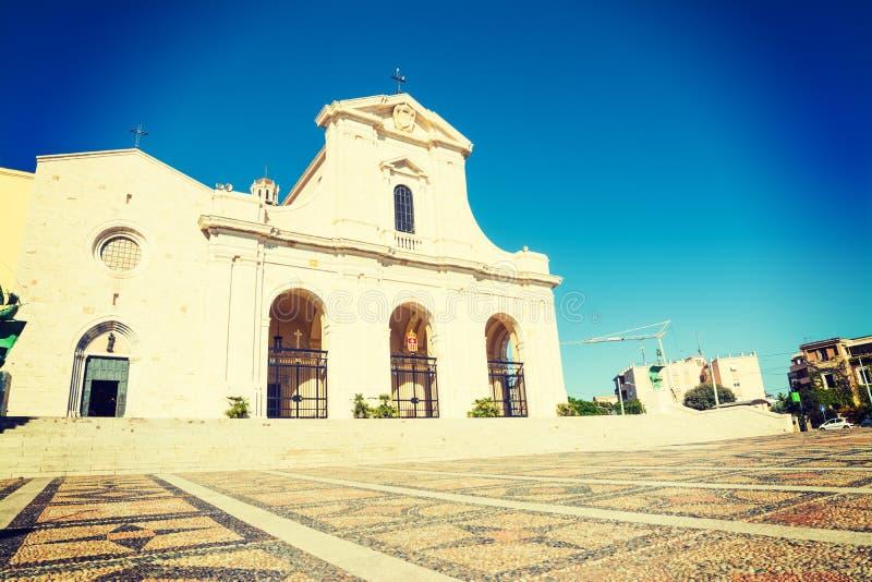 Καθεδρικός ναός Bonaria στο Κάλιαρι μια ηλιόλουστη ημέρα στοκ φωτογραφίες