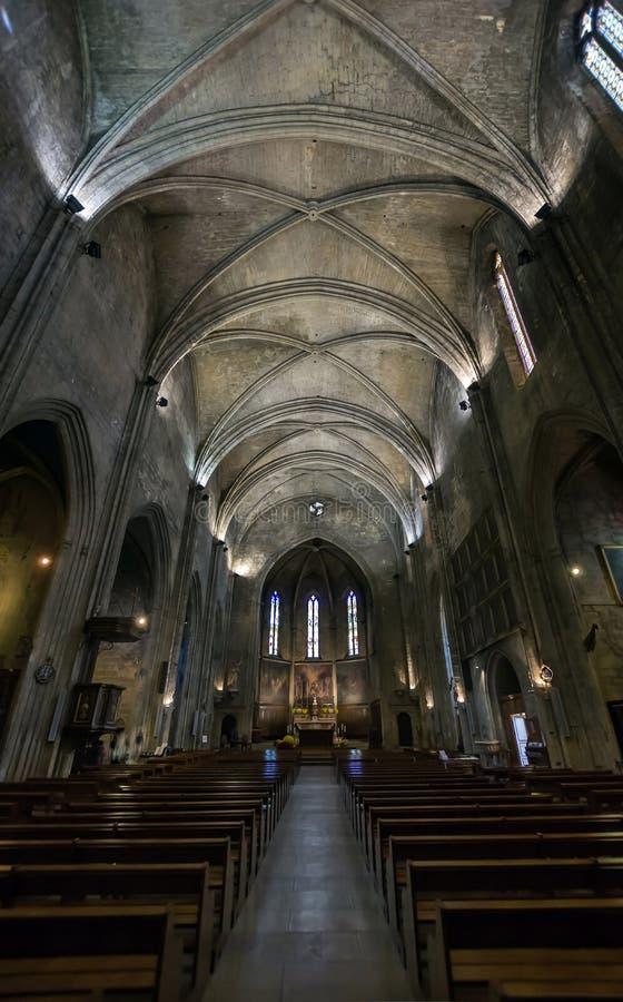 Καθολικό εσωτερικό καθεδρικών ναών. Σαλόνι de Προβηγκία. στοκ εικόνα