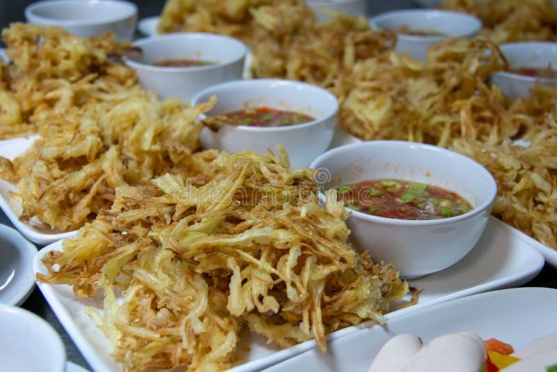 Καθορισμένα ταϊλανδικά τρόφιμα για το μεσημεριανό γεύμα και το γεύμα στοκ εικόνα με δικαίωμα ελεύθερης χρήσης