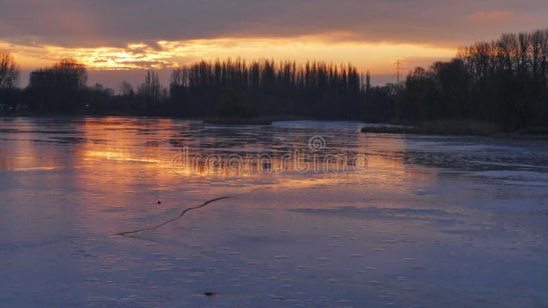 Καθρέφτης πάγου του ήλιου στοκ εικόνες