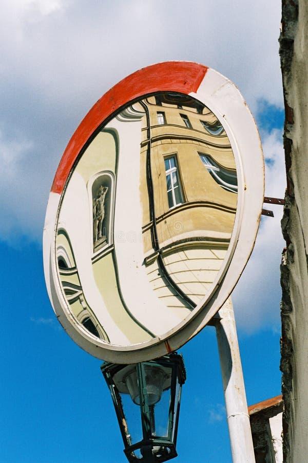 Καθρέφτης στην οδό στοκ φωτογραφία