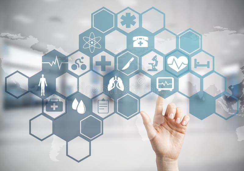 Καινοτόμες τεχνολογίες για την επιστήμη και την ιατρική σε λειτουργία από femal διανυσματική απεικόνιση