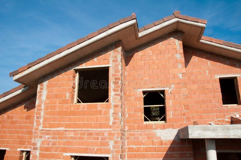 Καινούργιο σπίτι κάτω από την κατασκευή στοκ εικόνες με δικαίωμα ελεύθερης χρήσης