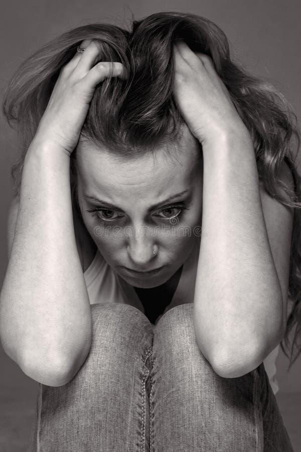 κακός όλα Γυναίκα στην κατάθλιψη μόνο με τα προβλήματα dif στοκ εικόνα με δικαίωμα ελεύθερης χρήσης
