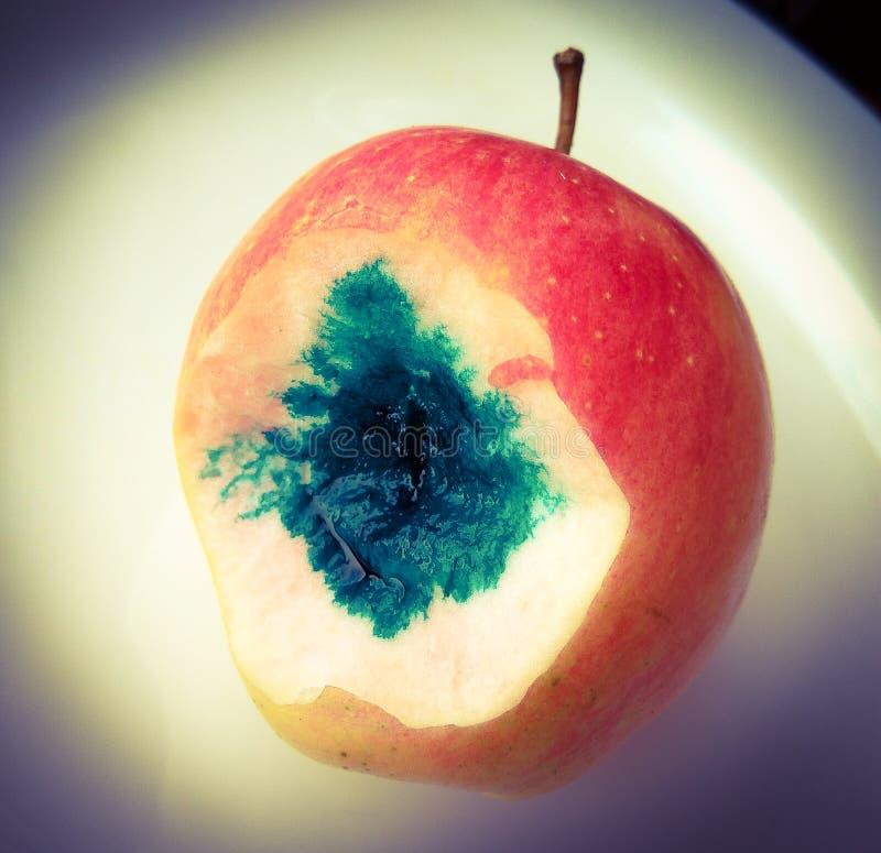 Κακό δηλητηριασμένο μήλο στοκ εικόνα