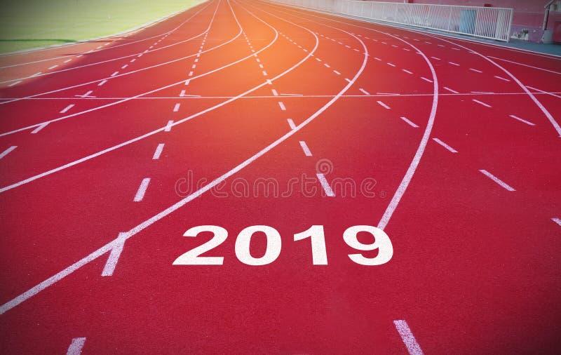 Καλή χρονιά 2019 στη διαδρομή αθλητικών φυλών στοκ φωτογραφίες με δικαίωμα ελεύθερης χρήσης