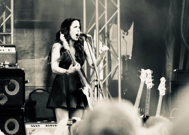 Καλλιτέχνης Danielle Nicole μπλε στη συναυλία σε Mont Tremblant στις 12 Ιουλίου 2018 στοκ φωτογραφία με δικαίωμα ελεύθερης χρήσης