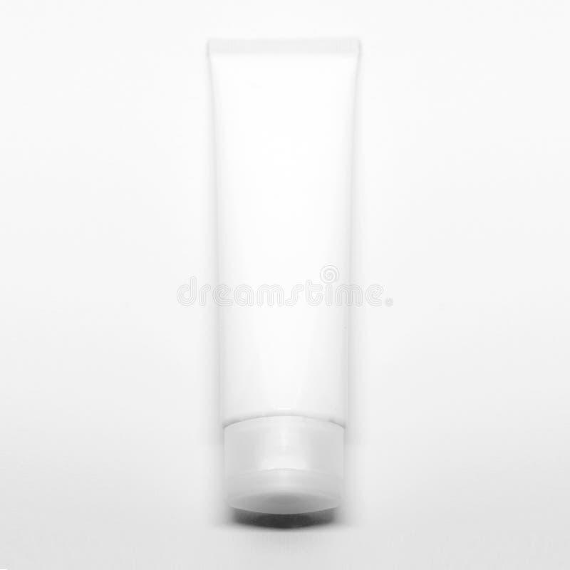 Καλλυντικό σχέδιο συσκευασίας Άσπρος σωλήνας κρέμας Πρότυπο καλλυντικών για το μαρκάρισμα Προϊόν ομορφιάς makeup E στοκ εικόνα