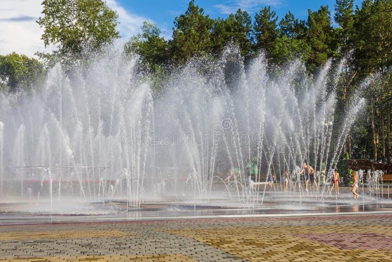 Καλοκαίρι, θερμότητα, φρεσκάδα στοκ εικόνα με δικαίωμα ελεύθερης χρήσης