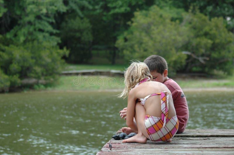 καλοκαίρι φιλαράκων στοκ φωτογραφίες