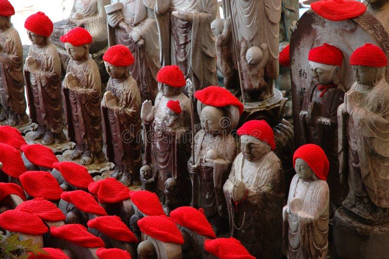 καλυμμένα κόκκινα αγάλμα&tau στοκ εικόνες