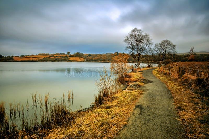 Καλός περίπατος από τη λίμνη στοκ φωτογραφία