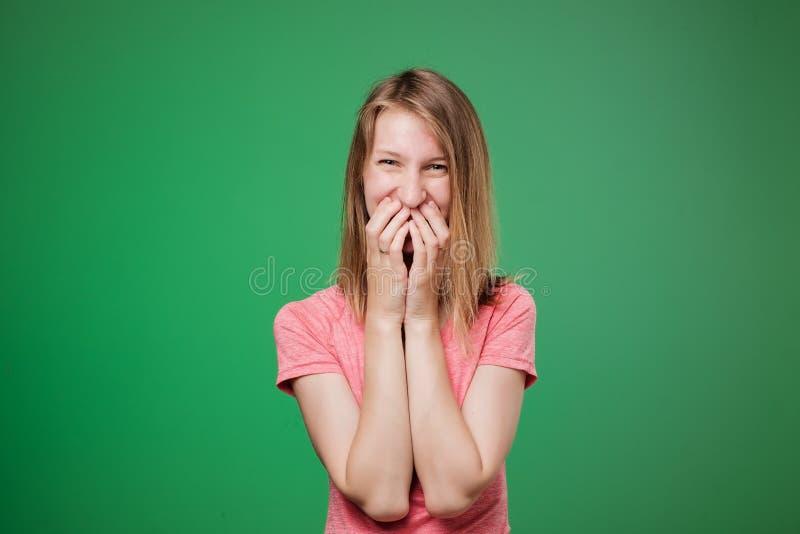 Καλό ντροπαλό ευρωπαϊκό γυναικών στοκ φωτογραφία με δικαίωμα ελεύθερης χρήσης