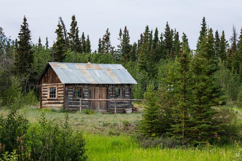 Καλύβα στην αγριότητα του Καναδά στοκ εικόνα με δικαίωμα ελεύθερης χρήσης
