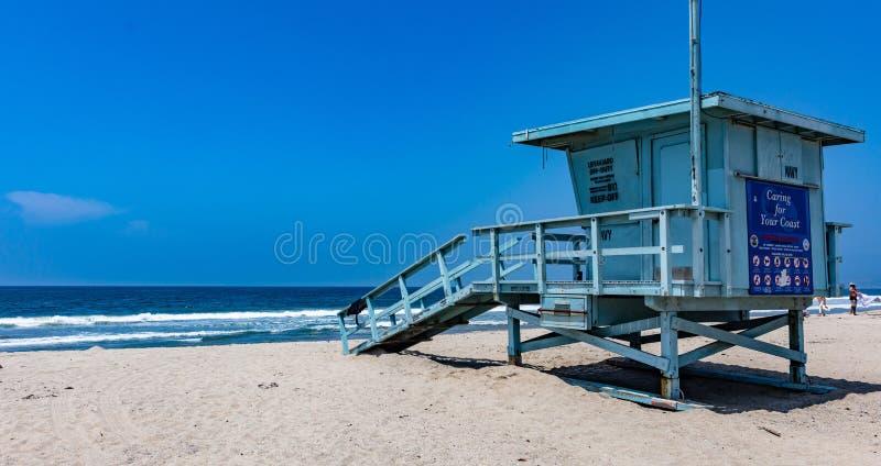 Καλύβα Lifeguard στην παραλία της Βενετίας Ακτή Λος Άντζελες ΗΠΑ Ειρηνικών Ωκεανών στοκ εικόνα