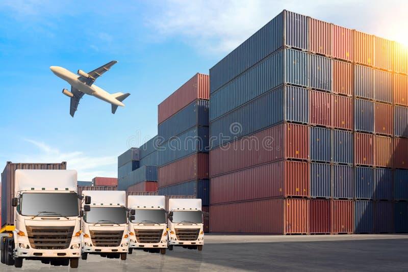 Καλύτερη σφαιρική σύνδεση του βιομηχανικού shi φορτίου φορτίου εμπορευματοκιβωτίων στοκ εικόνα με δικαίωμα ελεύθερης χρήσης