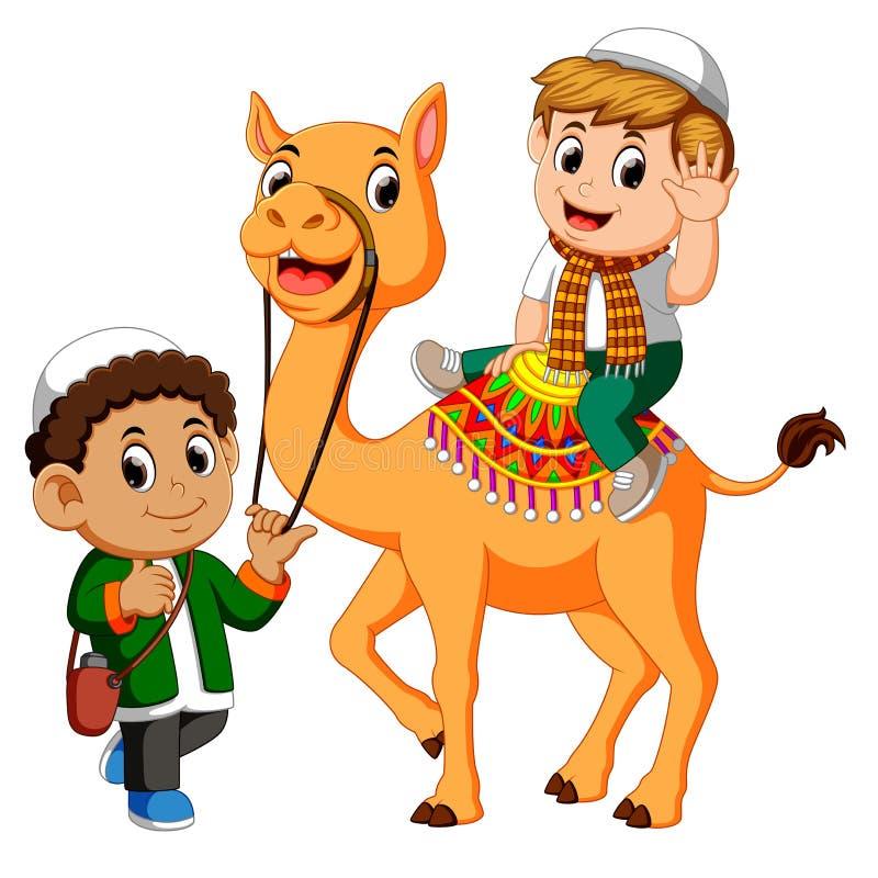 Καμήλα οδήγησης παιδάκι ελεύθερη απεικόνιση δικαιώματος