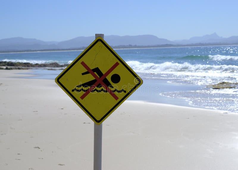 Καμία κολυμπώντας θέση σημαδιών στην παραλία στην Αυστραλία στοκ φωτογραφία