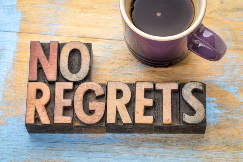 Καμία λύπη - περίληψη λέξης στον ξύλινο τύπο στοκ φωτογραφία με δικαίωμα ελεύθερης χρήσης