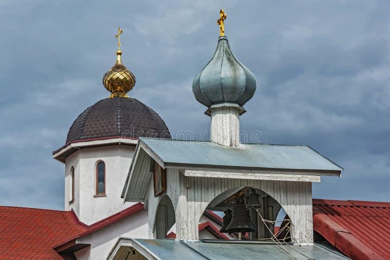Καμπαναριό με τα κουδούνια της εκκλησίας του ST Michael ο αρχάγγελος μέσα στοκ φωτογραφία με δικαίωμα ελεύθερης χρήσης