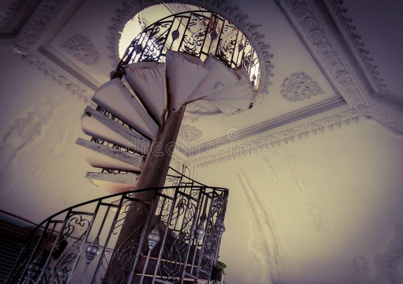 Καμπύλες σκάλες στο μνημείο Πατούξι Βιεντιάν, Λάος στοκ φωτογραφία