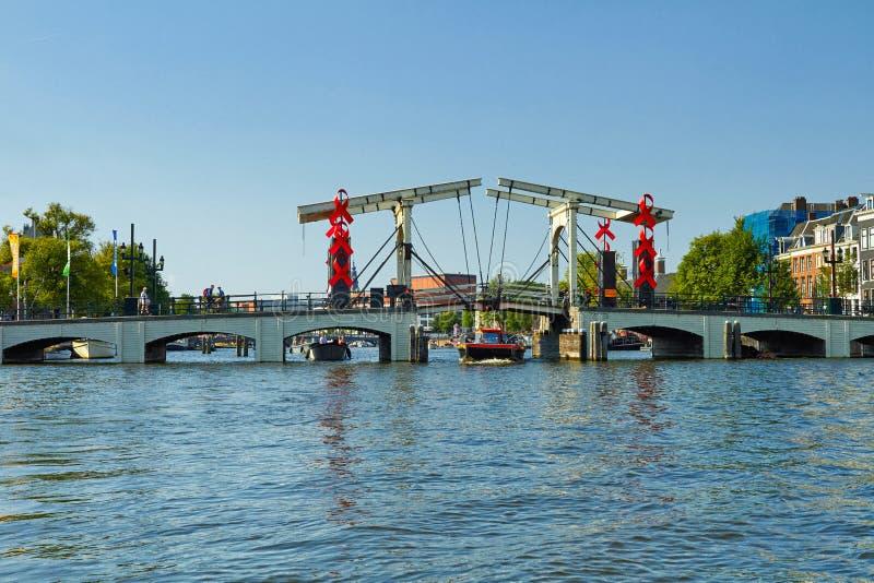 Κανάλια και βάρκες του Άμστερνταμ Ολλανδία στοκ εικόνα