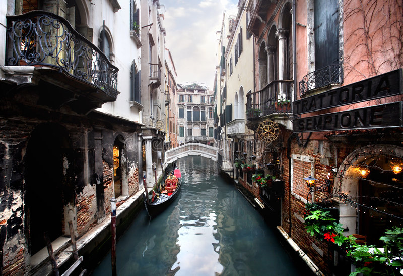 κανάλι Βενετία γεφυρών στοκ φωτογραφία