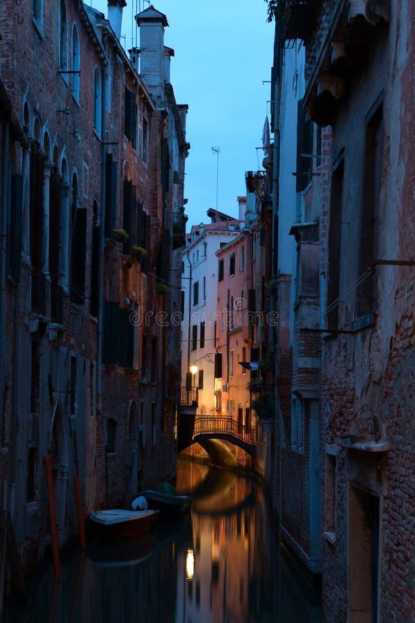 κανάλι στενή Βενετία στοκ φωτογραφία με δικαίωμα ελεύθερης χρήσης