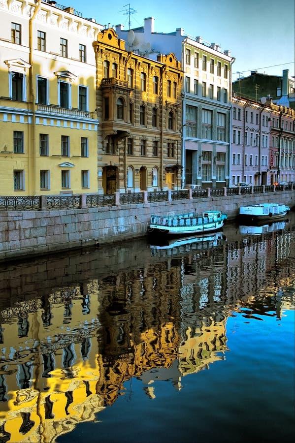 Κανάλι της Άγιος-Πετρούπολης στοκ φωτογραφίες με δικαίωμα ελεύθερης χρήσης