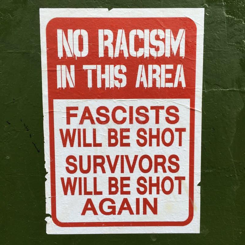 Κανένας ρατσισμός σε αυτό το σημάδι περιοχής στοκ φωτογραφίες