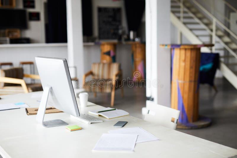 Κανένας στον εργασιακό χώρο στοκ φωτογραφίες με δικαίωμα ελεύθερης χρήσης