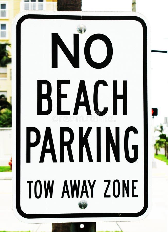Κανένα σημάδι χώρων στάθμευσης παραλιών στοκ εικόνες