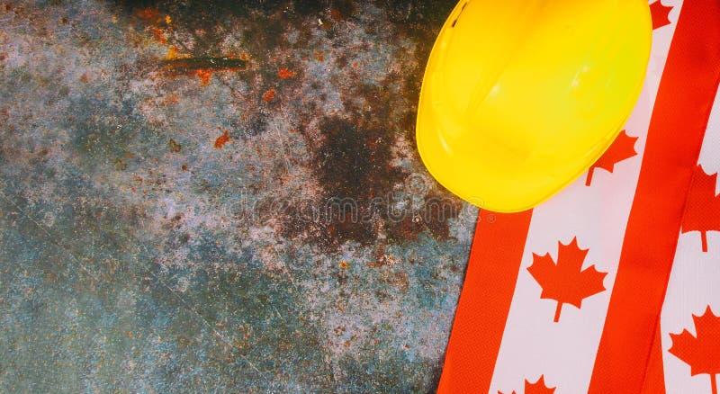 Καναδική σημαία με λέξης μακρύ Σαββατοκύριακο διακοπών Αυγούστου το πολιτικό στοκ φωτογραφία