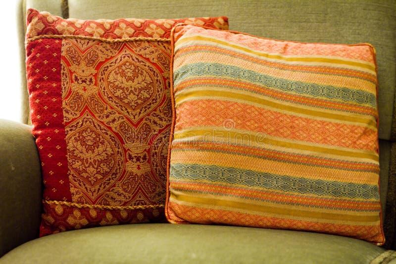 καναπές μαξιλαριών στοκ φωτογραφία με δικαίωμα ελεύθερης χρήσης