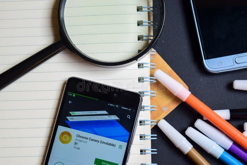 Καναρίνι ασταθές App χρωμίου στην οθόνη Smartphone στοκ εικόνες
