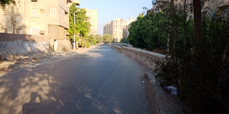 Κανονικός δρόμος στην Αίγυπτο το πρωί στοκ φωτογραφία με δικαίωμα ελεύθερης χρήσης