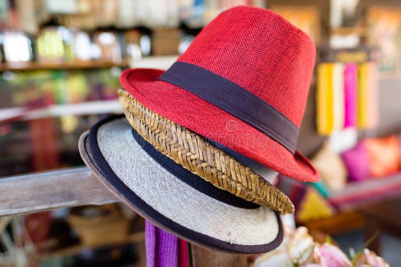Καπέλα στο κατάστημα αναμνηστικών στοκ εικόνες με δικαίωμα ελεύθερης χρήσης